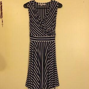 EUC Max Studio Navy/White Fit and Flare Dress - xs